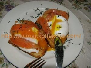 Гренка с яйцом пашот