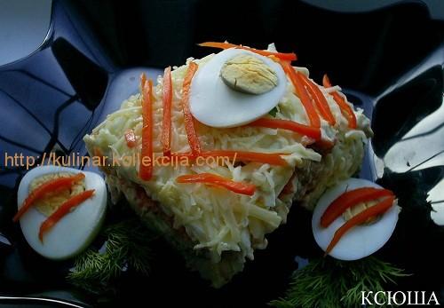 Слоеный салат с консервированной рыбой