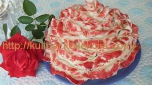 Торт в виде розы