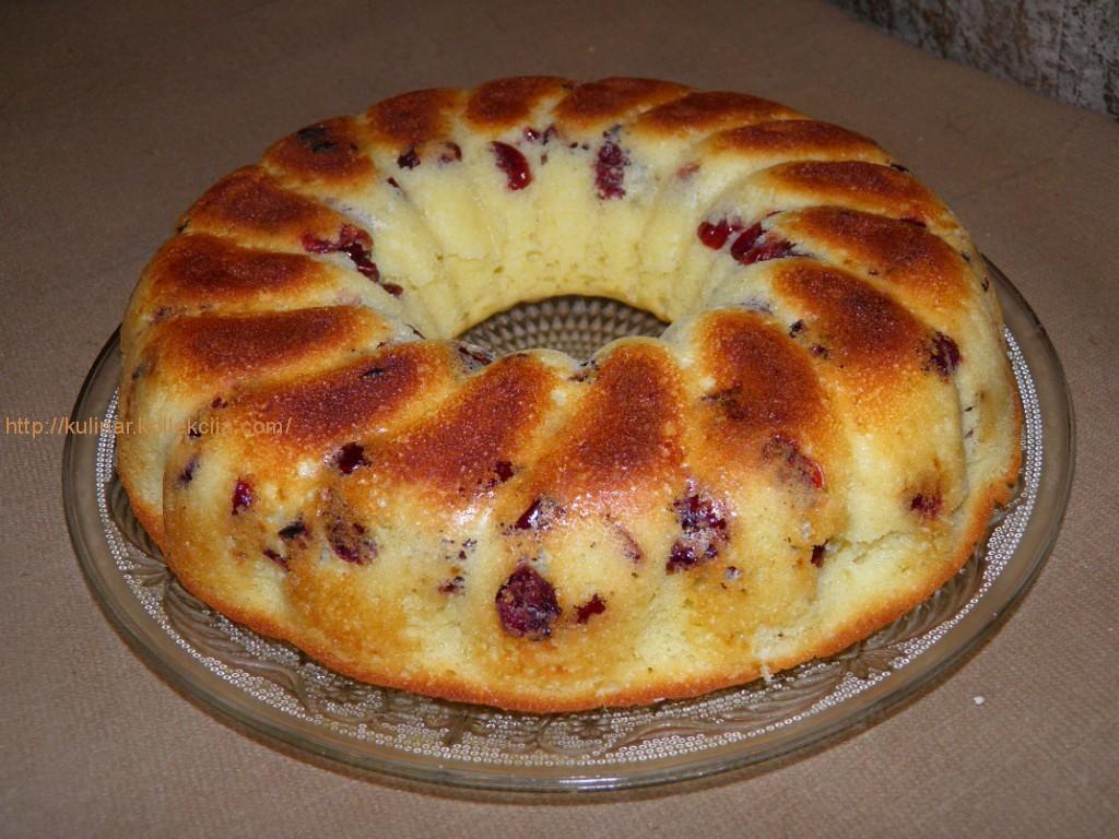 пирог на кефире с клюквой