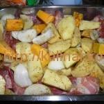 Как приготовить свинину с овощами