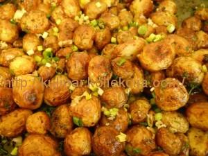 Картошка молодая в духовке