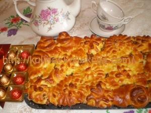 Пирог из дрожжевого теста с начинкой