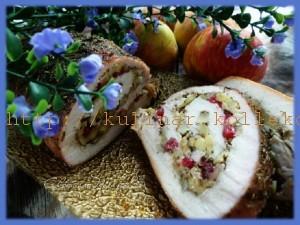 Рулет из индейки с яблоками