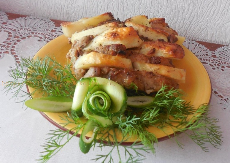 Гармошка из свинины с картошкой